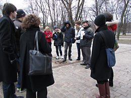 "Piotr Kowalik, educator from the Museum of the History of Polish Jews, on a ""Walking Workshop"""